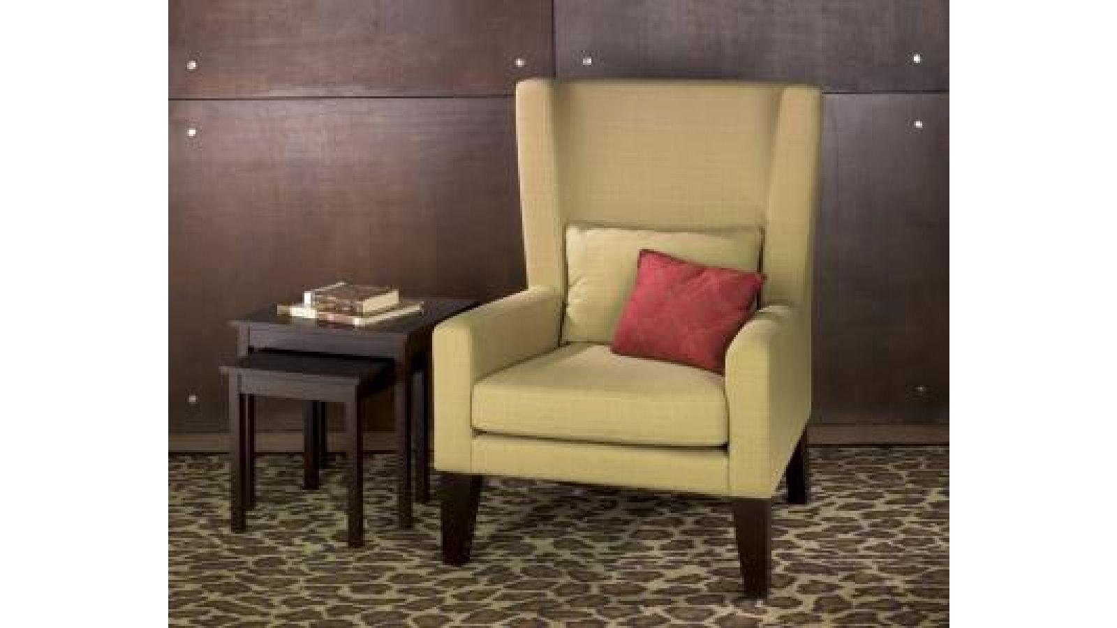 AVE • SIX Triton Club Chair