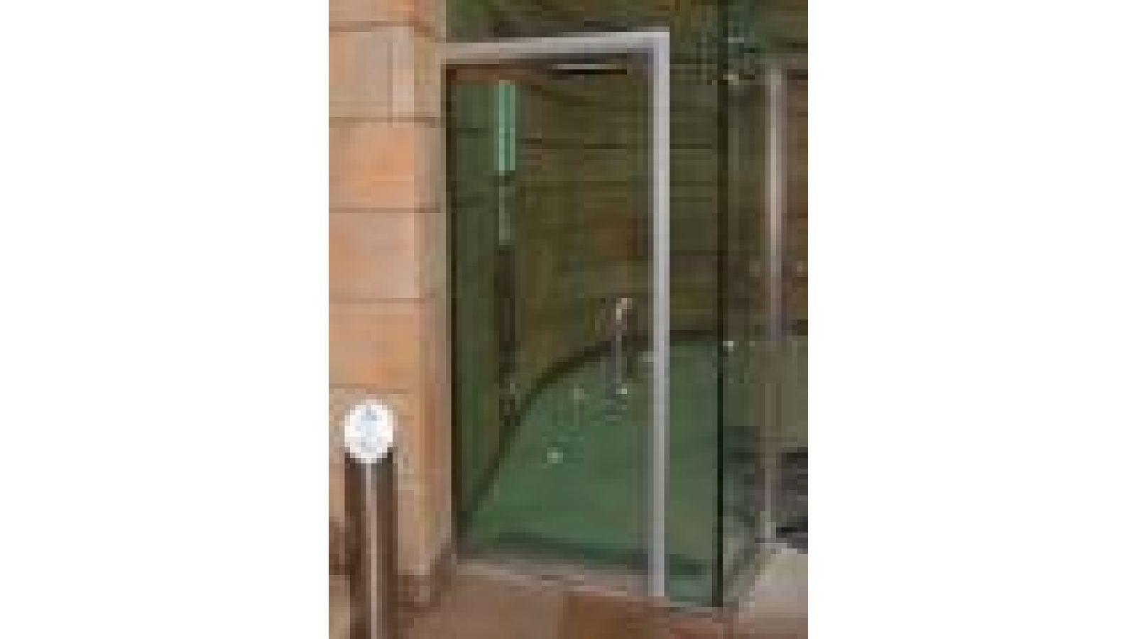Underfloor drive for swing doors swingMaster DTU