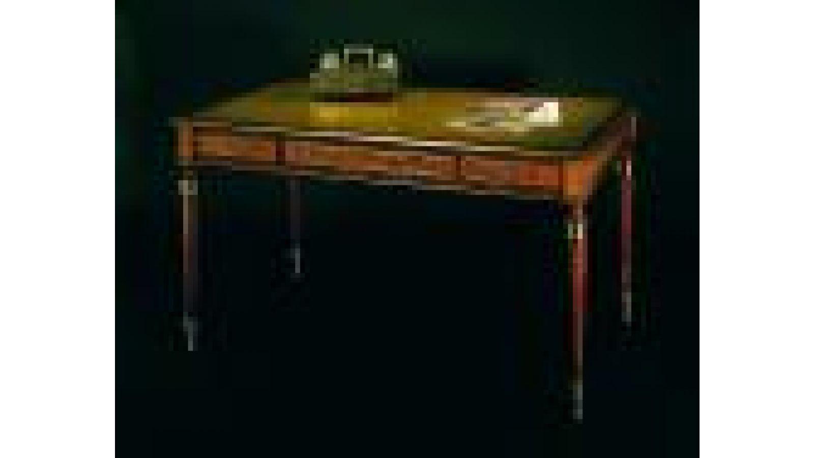 2107 - Regency-style writing table