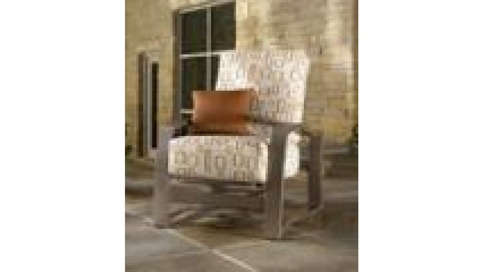 Momentum Deep Seat Collection