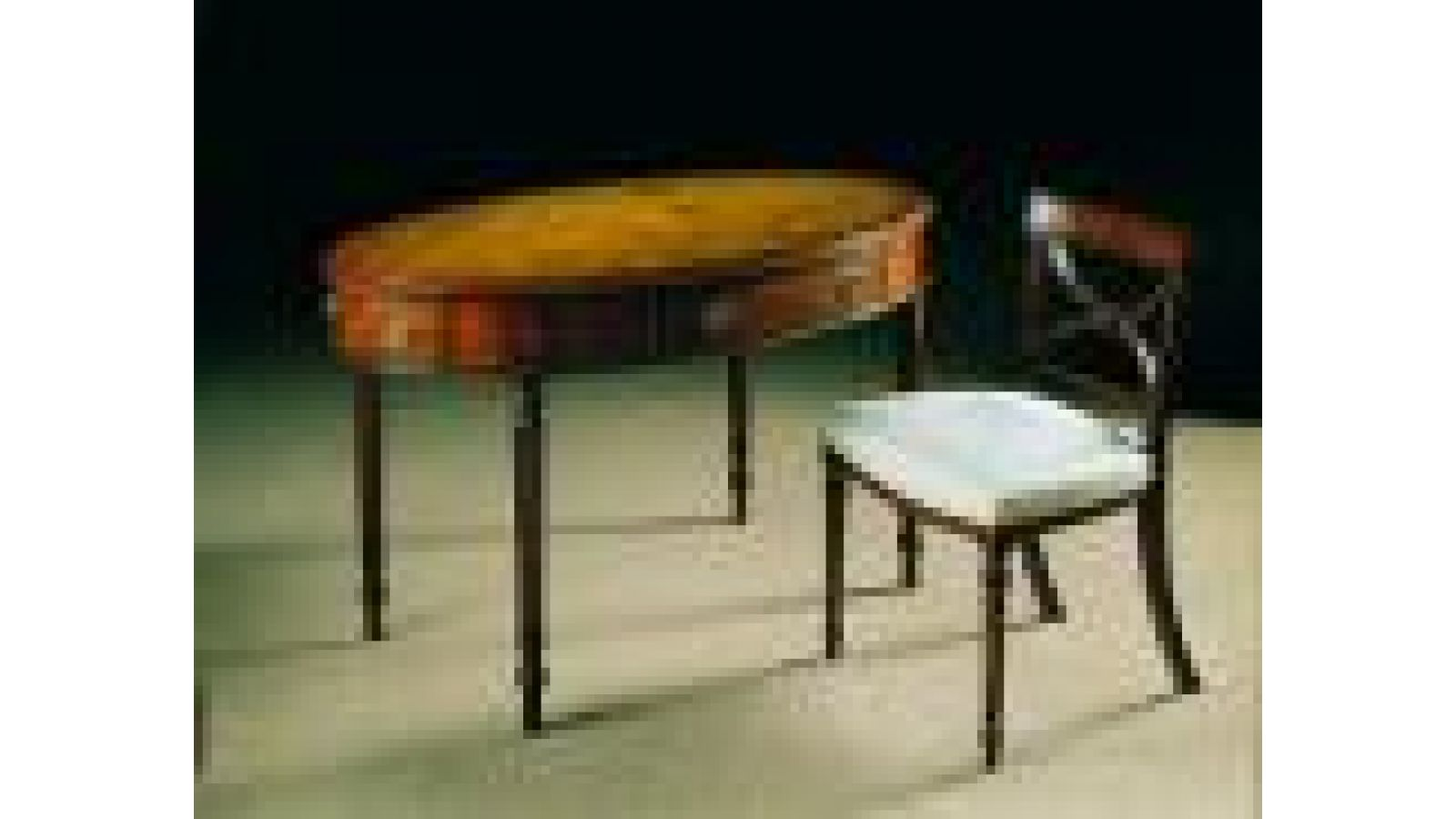 2306 - Oval writing table