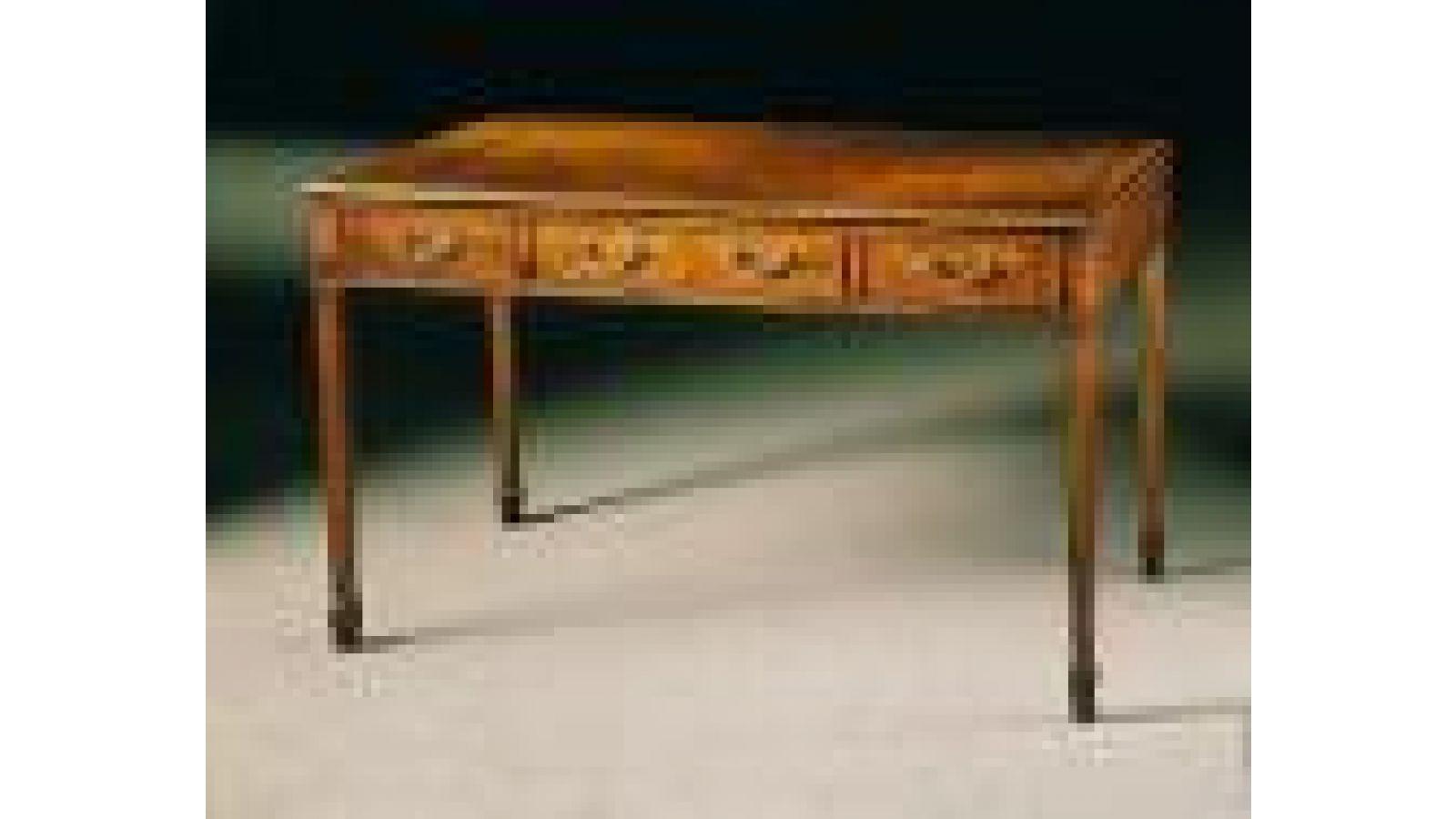 1902 - Sheraton-style shallow mahogany writing tab