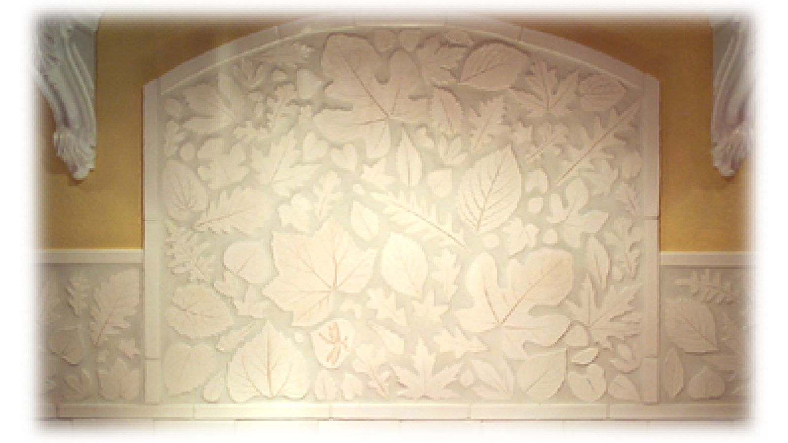 Leaf shaped mosaic ceramic tiles