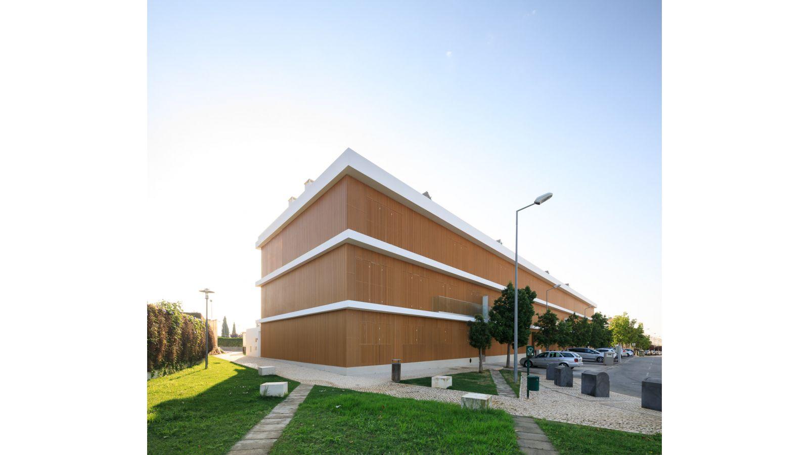 W building