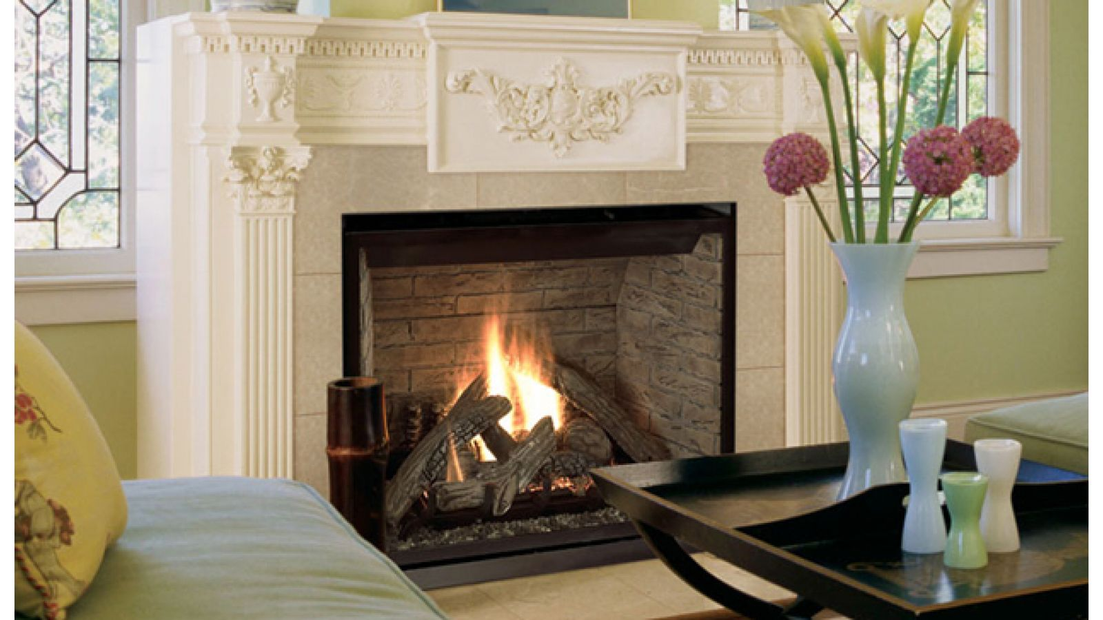 Astria Elite Louverless gas-burning direct-vent fireplace