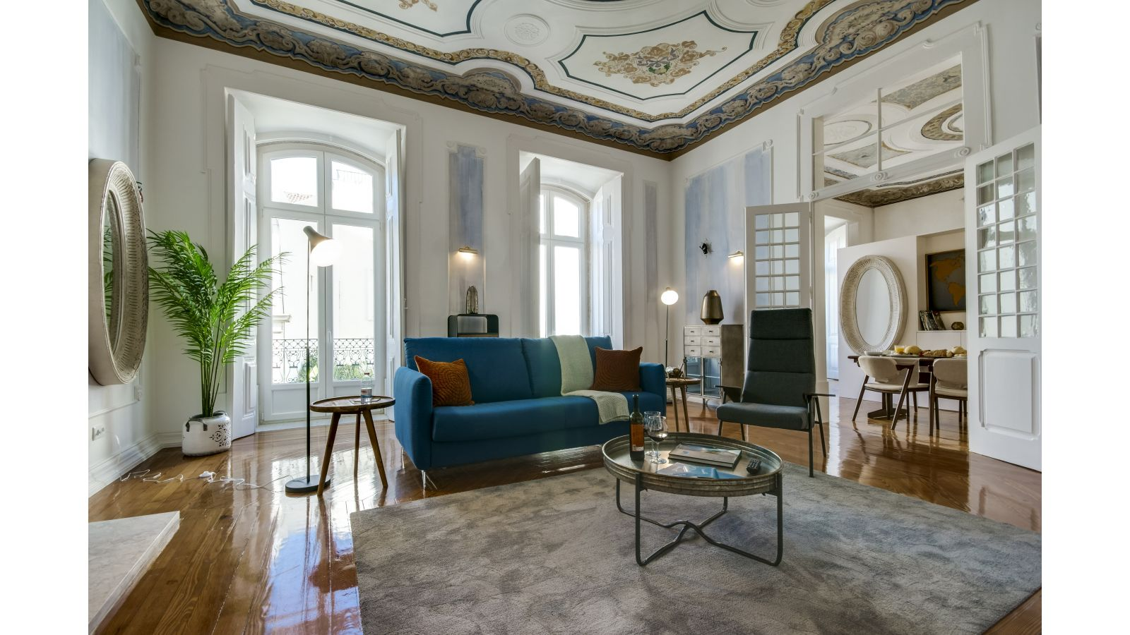 Decadent apartment in Lisbon