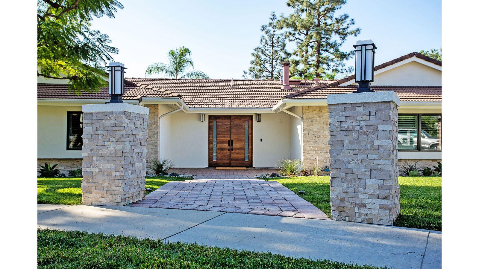 Neutral Modern Cali Ranch