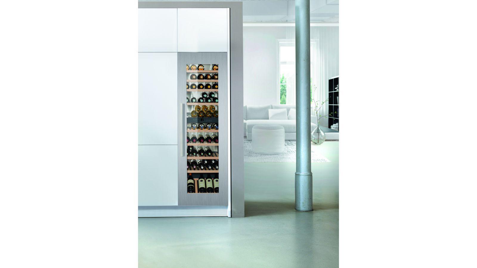 HW8000 Wine Cabinet