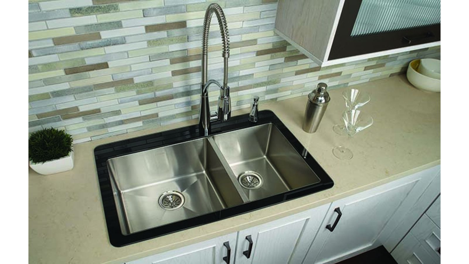 Glass Rim Crosstown Sink