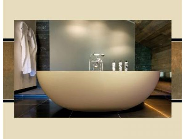 T and L Imperia Bathtub in Recylced Material