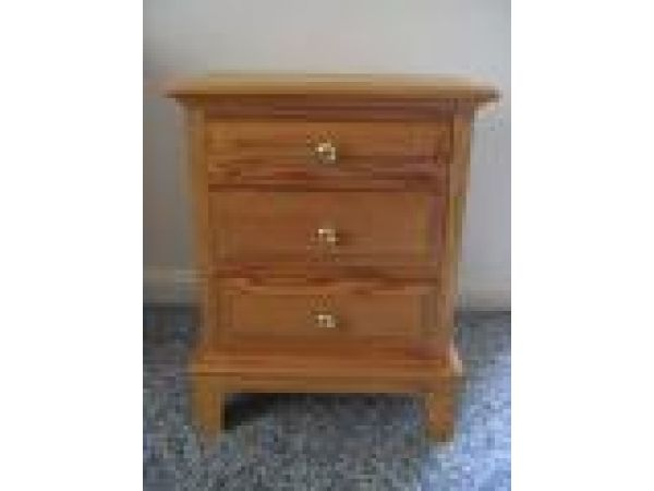 Early American Oak Raised Panel 3 Drawer Night Stand
