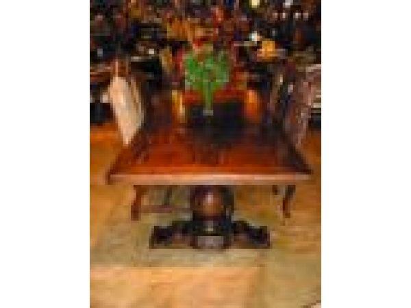 508 Chambord Table