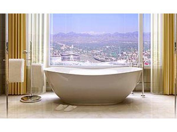 Luxury Lifestyle Isis Bathtub