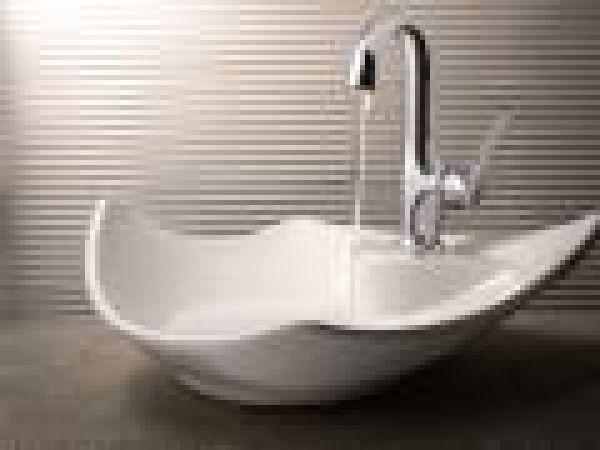 ShowHouse® Fina single-handle lavatory faucet