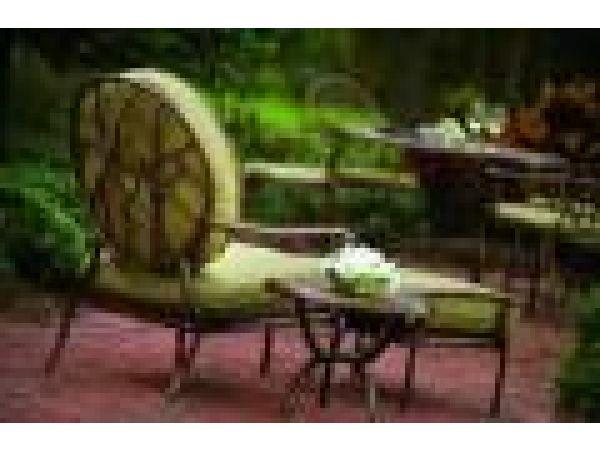 Latour Lounge Chair