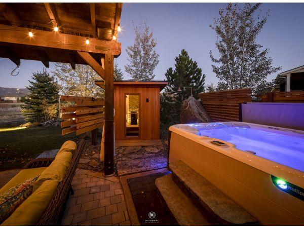 Finnleo Outdoor Saunas Enhance Backyard Living