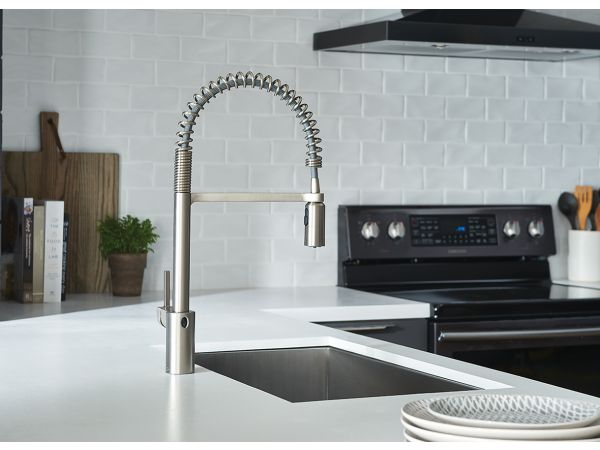 Align® Pre-Rinse Spring Pulldown Kitchen Faucet with MotionSense Wave™
