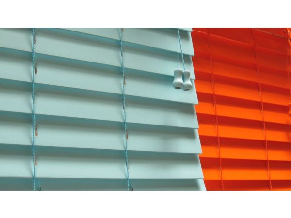 Designers Choice 2 Inch Horizontal in Wood Blind Waters Edge Blind and Tangerine