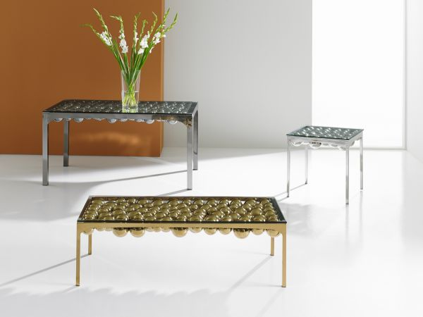 Floating Frizzante Tables