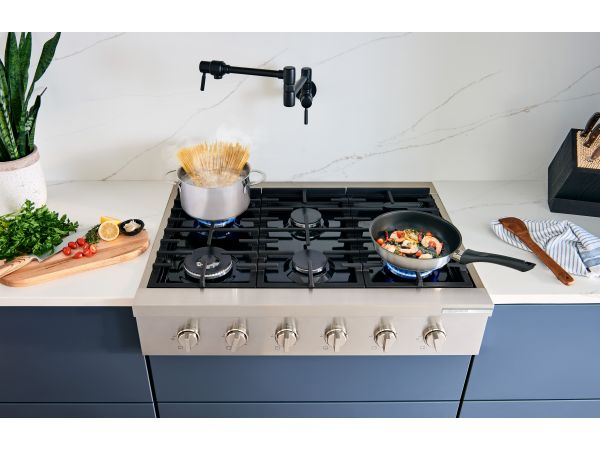 Bosch 800 Series industrial-style gas ranges and rangetops