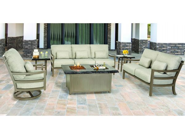 ROMA Deep Seating w/ Fire and Ice Firepit