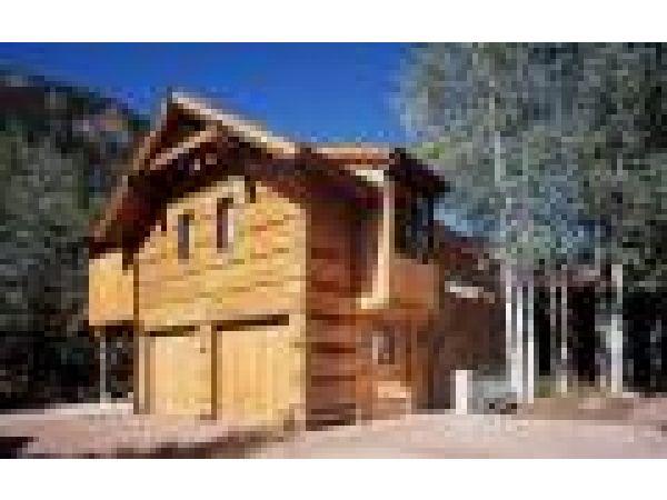 Colorado House Featuring Teak Siding