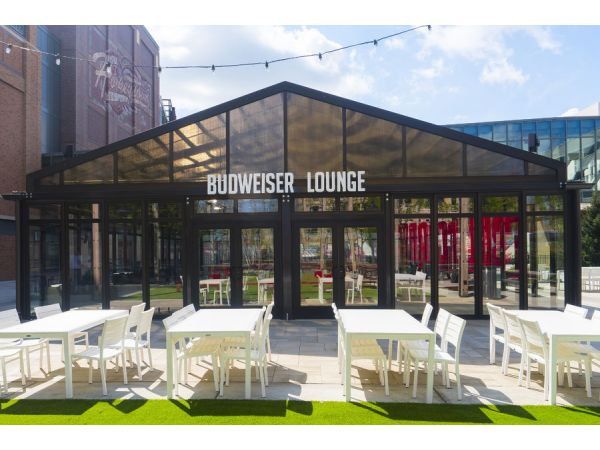 Linetec's durable finishes support retail and restaurant design trends