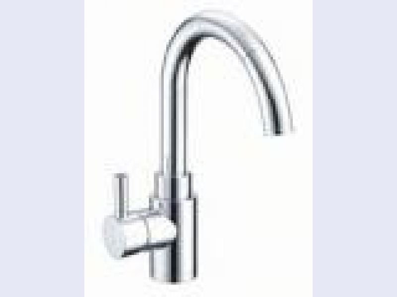 Wicker Park Pull-Down Faucet