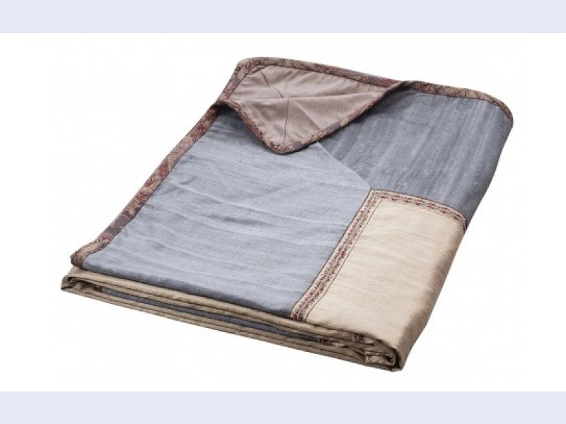 Luxury Bedspreads at Reasonable Price only at Aztaro