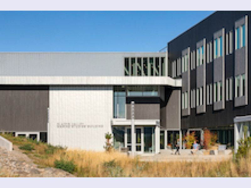 Oregon State University\'s Marine Science Building Combines Modern Design with Time-tested RHEINZINK Roofing and Cladding