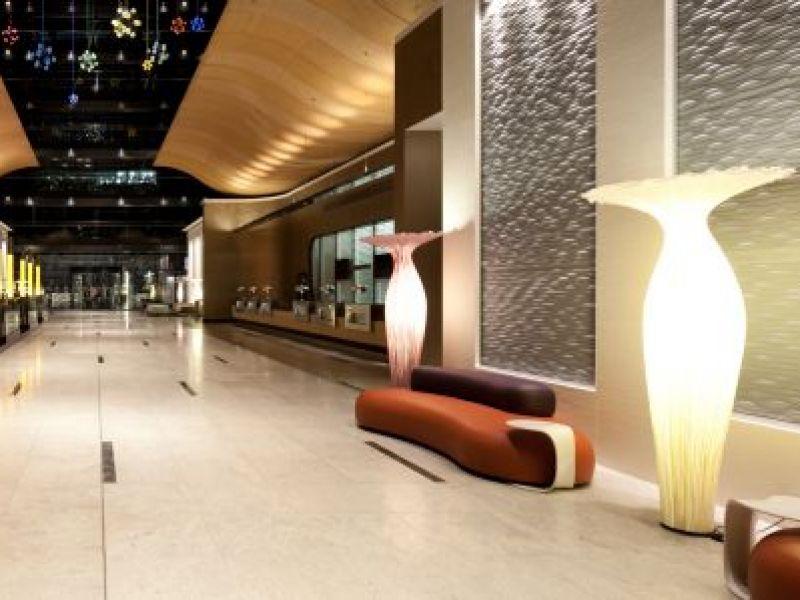Hilton Frankfurt Airport at THE SQUAIRE