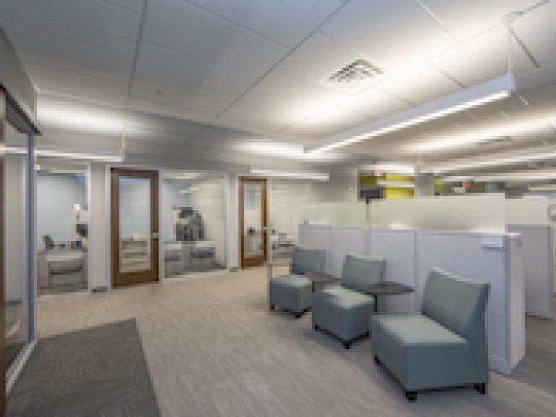 Rockfon ceilings create bold office spaces for Marsh & McLennan Agency\'s high-performance team