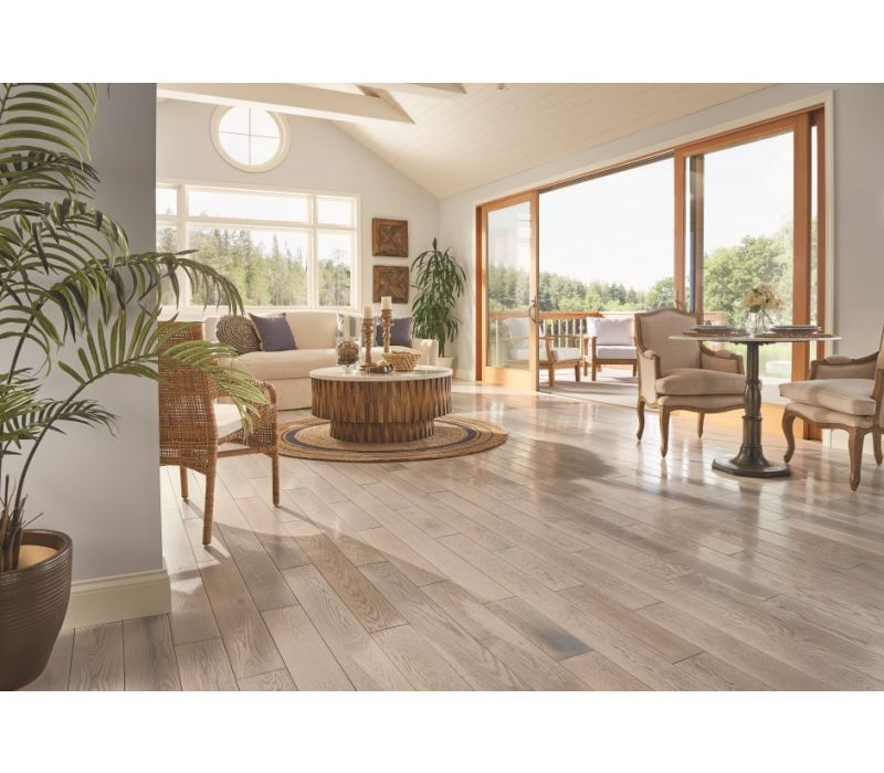 Paragon Solid Hardwood with Diamond 10® Technology